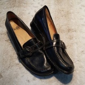 Sofft Black Leather Heeled Loafers w Buckle 11